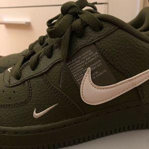 Nike Shoes - Nike AF1 LV8 Utility Kids Size 5.5 Women's Size 7
